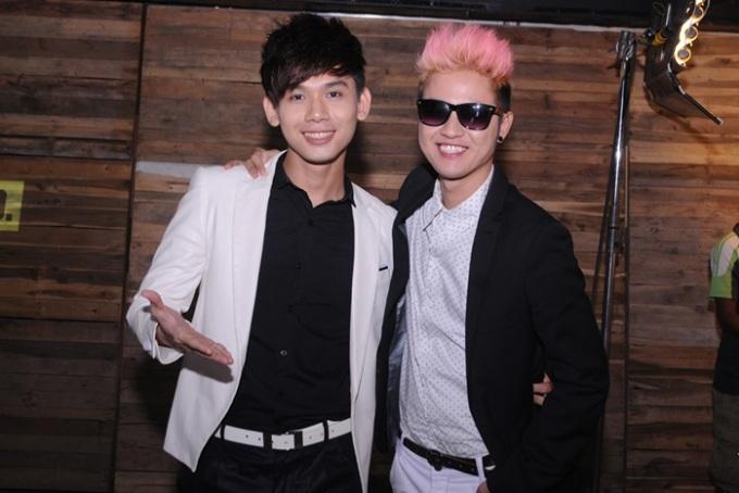 <p> Đại Nhân và Thanh Duy Idol lịch lãm cùng vest.</p>