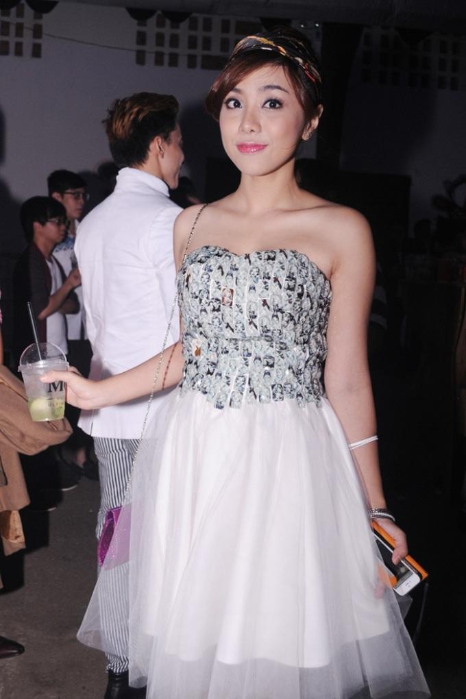 <p> Phương Trinh diện váy công chúa vô cùng đáng yêu.</p>
