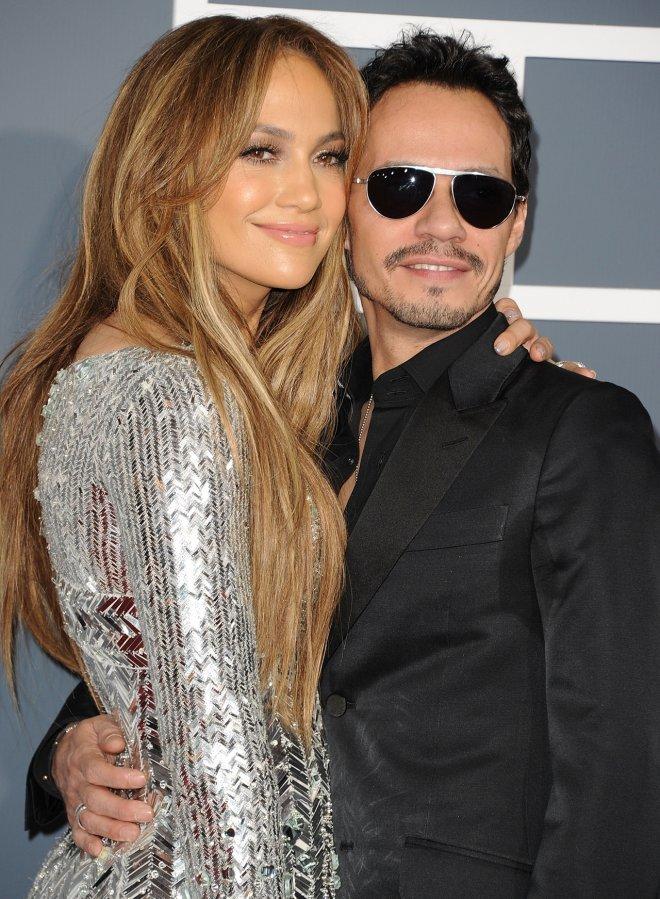 <p> Đôi tình nhân đẹp Jennifer Lopez và Mark Anthony chung sống hạnh phúc trong 7 năm và khiến fan mê mẩn với tình ca<em> No Me Ames</em>. Sự tan vỡ của họ để lại nhiều tiếc nuối trong lòng người hâm mộ.</p>