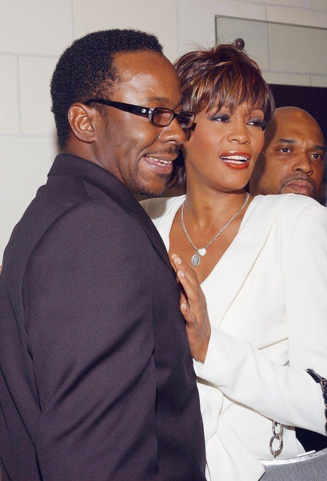 <p> Mối tình giữa Whitney Houston và Bobby Brown kéo dài từ năm 1989 đến năm 2006 và Bobby chính là người bị nhiều chỉ trích cho sự tụt dốc trong sự nghiệp của Whitney.</p>
