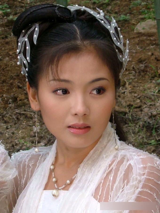 <p> Tuy đường nét khuôn mặt khá bình thường nhưng Lưu Đào vẫn là mỹ nữ cổ trang trong lòng khán giả.</p>