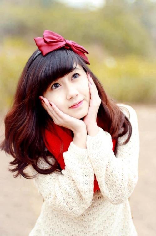 <p> Hiện tại, Hương đang có dự định trở thành một giáo viên tiểu học.</p>