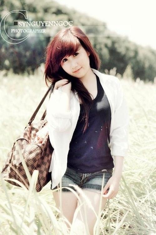 <p> Nhận được sự quan tâm, yêu mến của mọi người, Hương Kyn cho biết mình có cảm giác thích thú, song cô bạn không lơi là mà vẫn tập trung nhiều hơn vào học hành.</p>