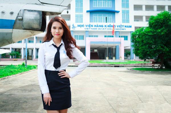 <p> Sở hữu chiều cao 1m70, Thu Hiền từng lọt top 20 cuộc thi Miss Ngôi Sao và top 5 thi tìm kiếm Nữ sinh thanh lịch của Học viện.</p>