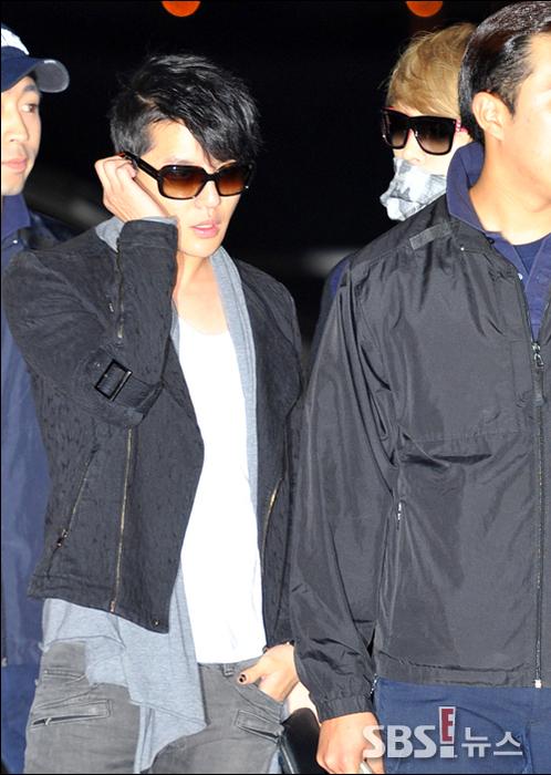 <p> Jun Su cũng có thời trang sân bay khá sành điệu, nam ca sĩ vừa hoàn thành tour diễn châu Á của riêng mình.</p>