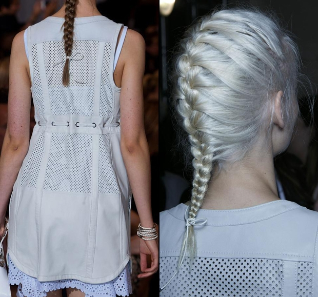 <p> Thay vì những kiểu chun nịt hay dây buộc quen thuộc, ban có thể phá cách mái tóc tết bằng đoạn dây có màu sắc đồng điệu với áo.</p>