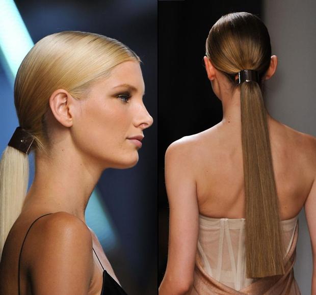 <p> Cột tóc kim loại là xu hướng phụ kiện thịnh hành một năm trở lại đây.</p>