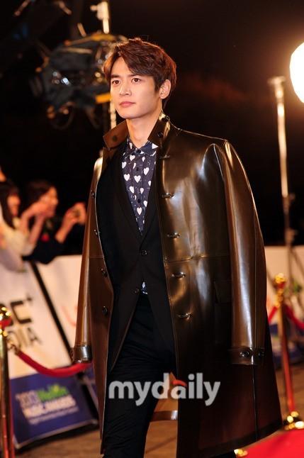 <p> Choi Min Ho thu hút ánh nhìn nhờ vẻ điển trai nổi bật.</p>