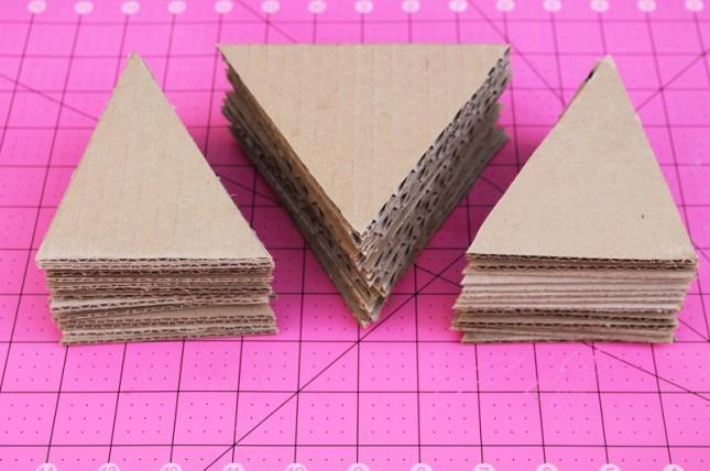 """<p style=""""text-align:center;""""> <strong>Bước 3:</strong></p> <p style=""""text-align:center;""""> Các ấy cắt mỗi hình là 15 mảnh nhé.</p>"""
