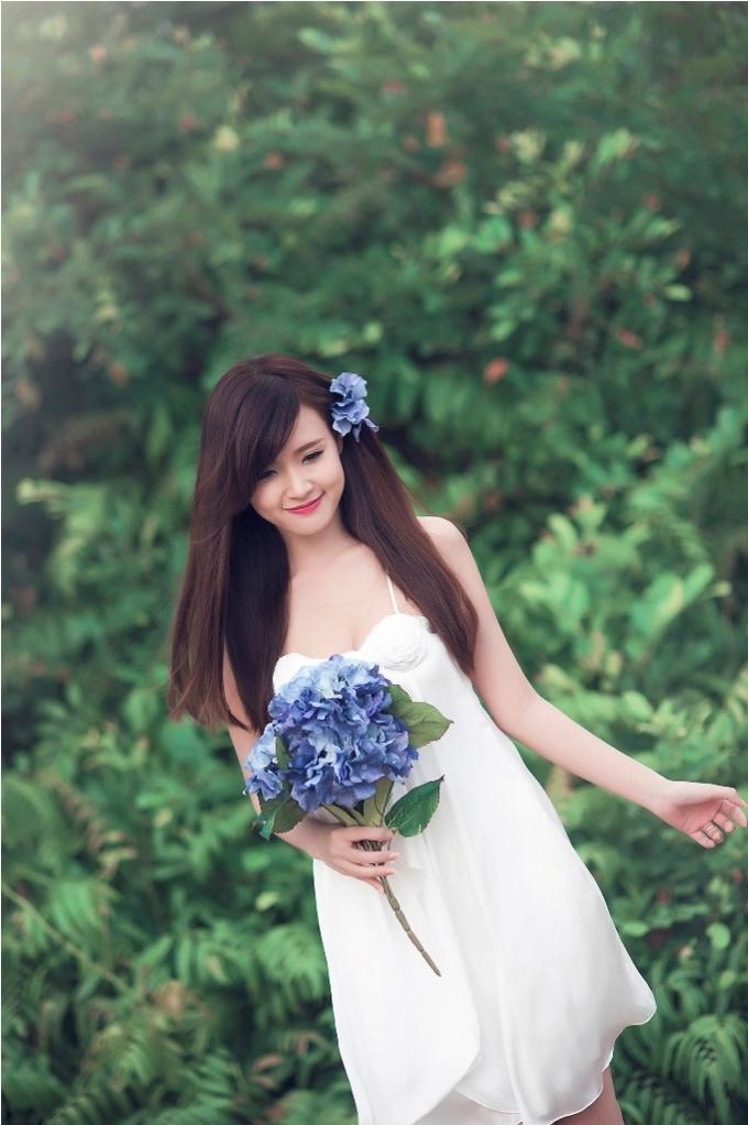 """<p> Midu là một trong những hot girl đầu tiên của Sài Thành đến nay vẫn giữa vững phong độ cùng hình tượng khá """"sạch"""".</p>"""