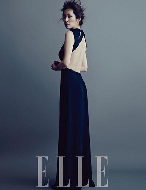 <p> Han Ji Min dịu dàng và gợi cảm trên tạp chí Elle.</p>
