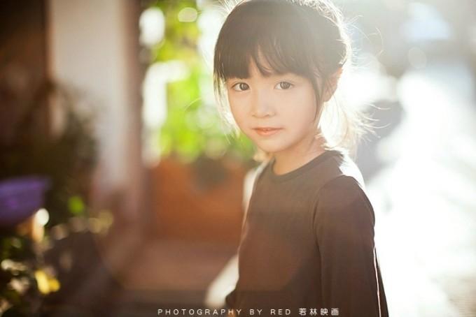 """<p class=""""Normal""""> Cô bé An Kỳ Nhĩ (sinh năm 2007), có nickname Weibo là """"AnQiEr apple"""", ở thành phố Trường Sa, tỉnh Hồ Nam, Trung Quốc.</p>"""