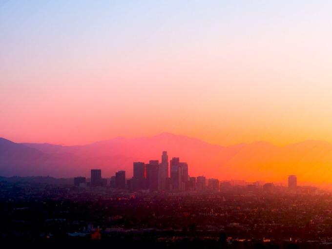 <p> 60 bức ảnh thể hiện 30 phút mặt trời mọc.</p>