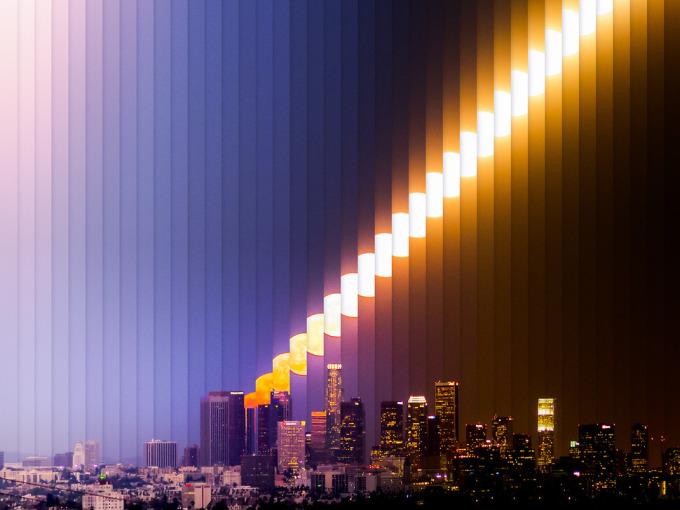 <p> Mặt trăng lên ở Los Angeles.</p>