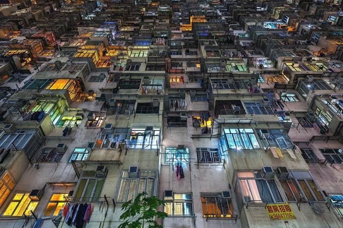 <p> Trong hình là những tòa chung cư cao tầng Yick Cheong ở Quarry Bay.</p>
