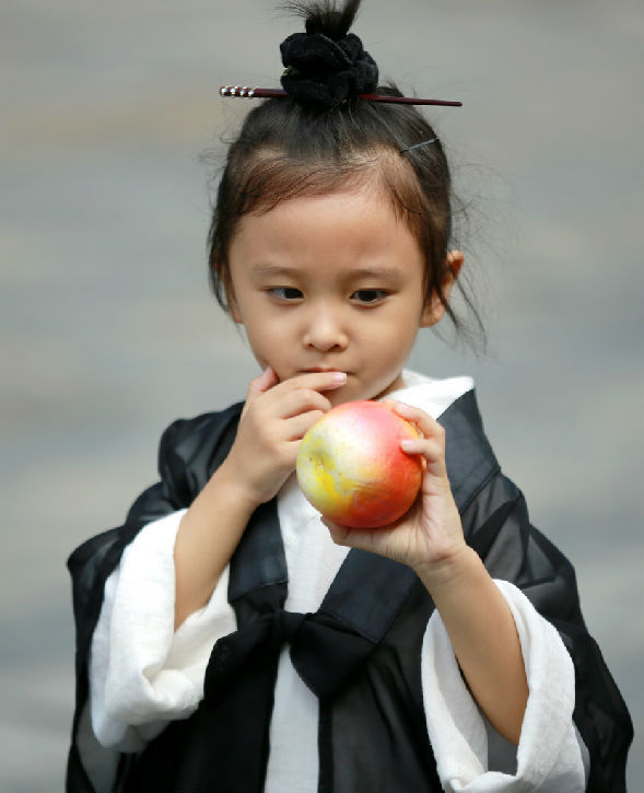 Cô bé đạo sĩ dễ thương nhất Trung Quốc