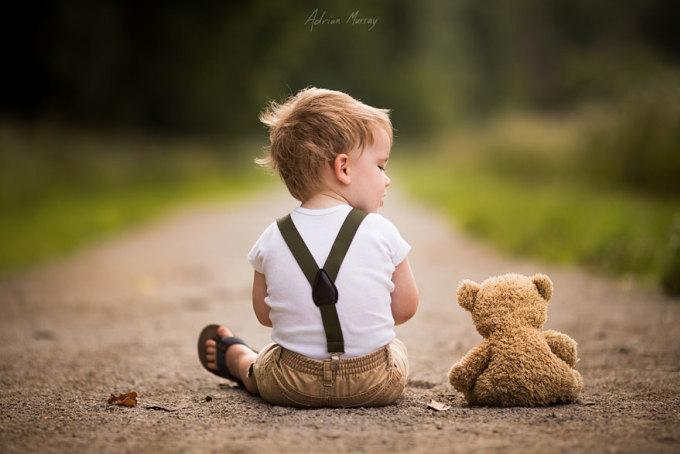 <p> Những bức ảnh tuyệt đẹp của Adrian Murray kể câu chuyện về tuổi thơ mà tất cả chúng ta đều trải qua.</p>