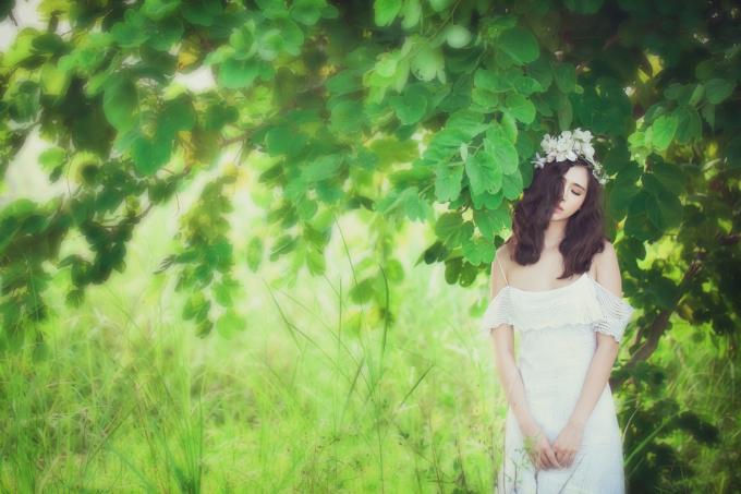 <p> Dần xa rời hình ảnh nàng mẫu teen nhí nhảnh ngày nào, Hà Mjn ngày càng trưởng thành với vẻ ngoài nữ tính và gợi cảm.</p>