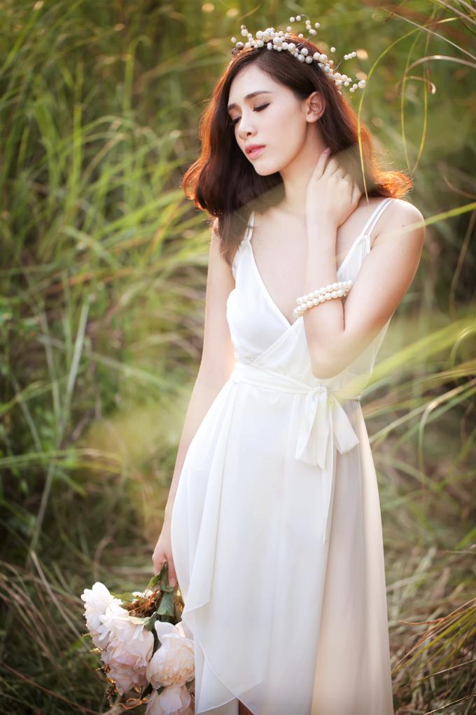 <p> Vẻ mặn mà, nữ tính của hot girl Hà thành.</p>