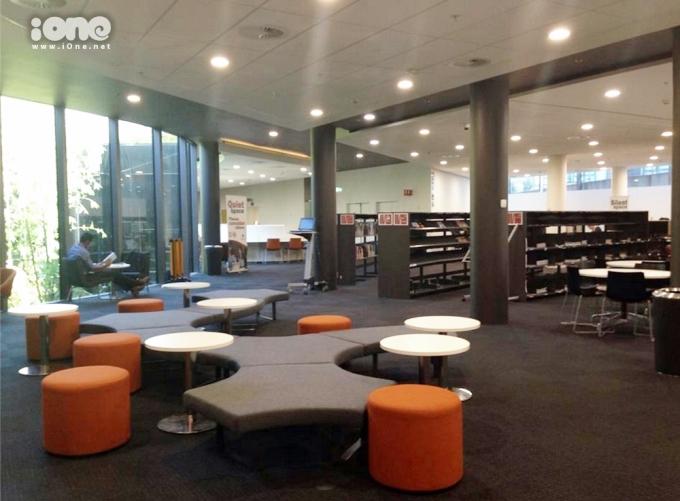 """<p> Chỗ để sinh viên ngồi nghiên cứu """"li mít"""" luôn, bạn có thể tùy chọn chỗ thoải mái cho mình.</p>"""