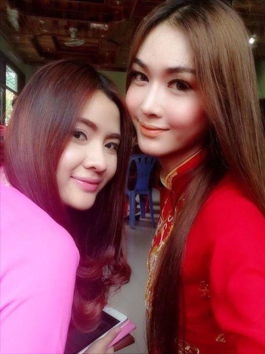 <p> Trên fanpage của Piyada Inthavong chia sẻ hình cô nàng mặc áo dài đỏ trong một lễ ăn hỏi ở Lào theo phong tục truyền thống Việt Nam.</p>