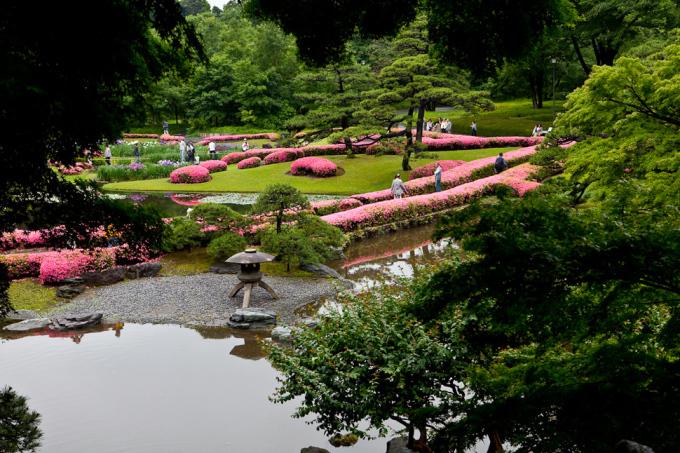 """<p class=""""Normal""""> Vườn Ninomaru tuyệt đẹp ở Tokyo chỉ mở cửa cho khách tham quan vào dịp năm mới và ngày sinh Nhật hoàng.</p>"""