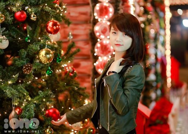 Teen Hà Nội - Sài Gòn rạo rực pose hình sớm mùa Giáng sinh