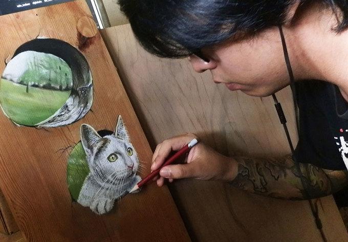Tranh vẽ 3D trên gỗ đánh lừa thị giác đẹp khó tin
