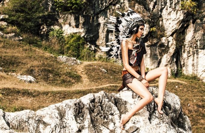 Hà Thu Next Top làm nữ thổ dân ma mị giữa núi rừng