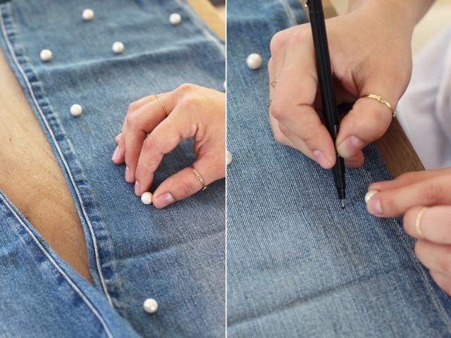 """<div style=""""text-align:center;""""> <strong>Bước 1:</strong><br /><br /> Trước tiên, bạn dùng bút đánh dấu vị trí cần đính rải rác khắp thân quần.</div>"""