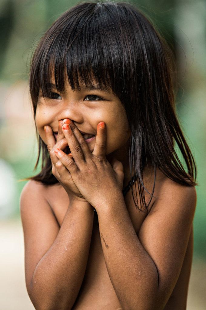 """<p> Chính điểm chung ấy đã giúp nhiếp ảnh gia này đặt tên cho bộ ảnh là """"The Hidden Smiles of Vietnam"""" – tạm dịch """"Những nụ cười duyên"""".</p>"""