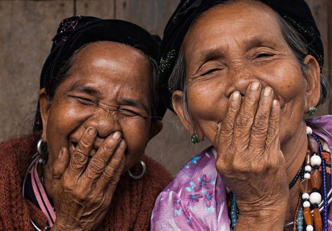 <p> Sắp tới, Réhahn vẫn sẽ tiếp tục đến những nơi khác của Việt Nam để chụp lại những nụ cười; và sẽ xúc tiến tổ chức một buổi triển lãm để bộ ảnh sớm được ra mắt công chúng.</p>