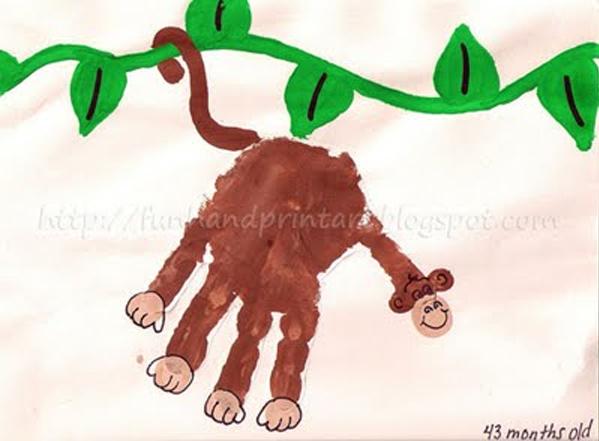 <p> Ấn cả bàn tay cộp một cái, thêm vài chi tiết là bạn đã có hình vẽ chú khỉ siêu kute.</p>