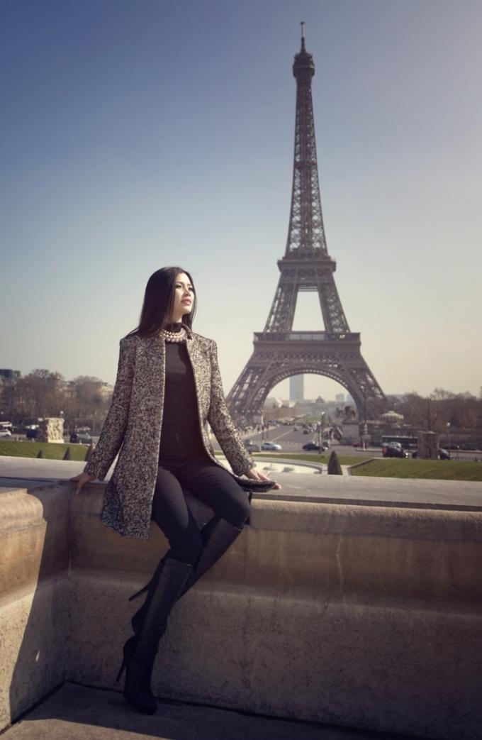 """<p class=""""Normal""""> Từ sau Tết Nguyên đán, Diễm Trang bỗng nhiên """"mất tích"""" bí ẩn trên các phương tiện truyền thông. Á hậu cho biết, cô dành hơn 3 tuần để du lịch châu Âu như Ba Lan, Pháp, Ý... sau thời gian dài làm việc căng thẳng.</p>"""