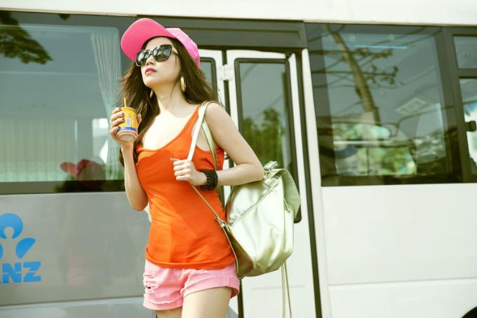 <p> Nữ ca sĩ bật mí, những gam màu nổi khi được phối hài hòa sẽ mang lại vẻ trẻ trung, cá tính.</p>