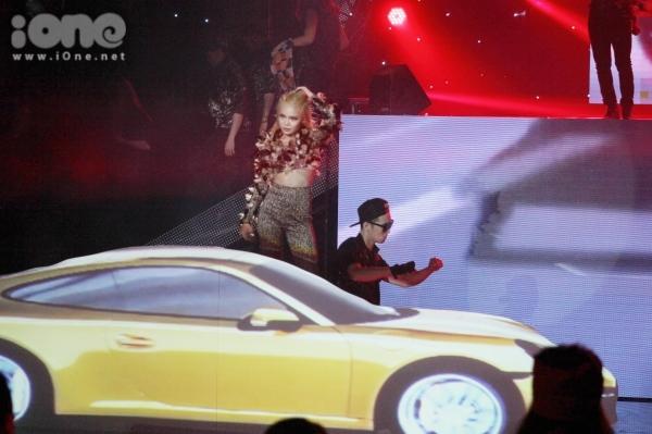 """<p class=""""Normal""""> <span>Quán quân X-Factor đầu tư phần thi hoành tráng với những mô hình siêu xe từ bộ phim</span><em>Fast & Furious 7.</em></p>"""