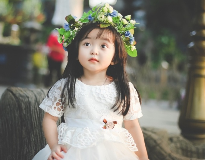 Thiên thần nhí 3 tuổi ngắm mãi không chán