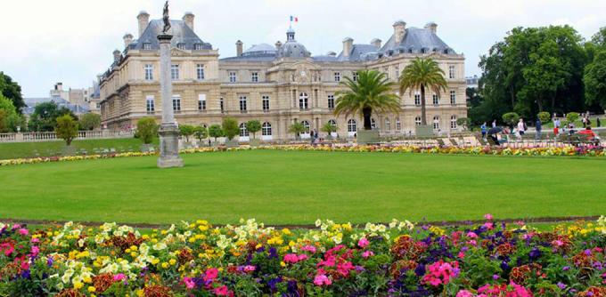 <p> <strong>Công viên Luxembourg, Paris</strong><br /><br /> Công viên có mặt từ thế kỷ 17 vẫn giữ được kiến trúc cổ kính cùng những vườn hoa rực sắc màu.</p>