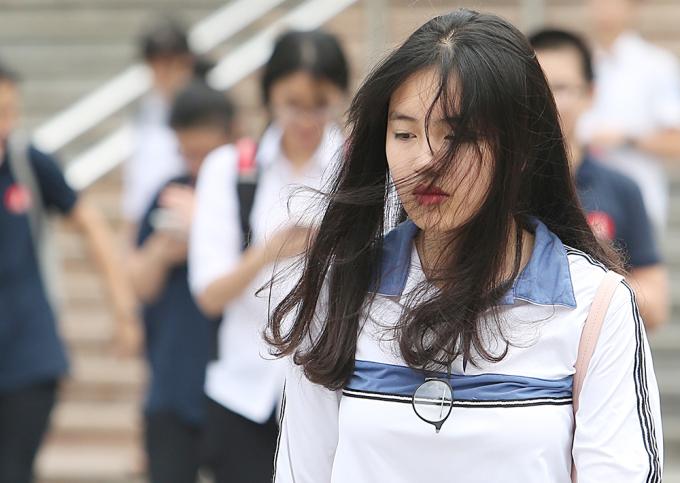 <p> Nữ sinh xinh như hotgirl dự thi vào Ams.</p>