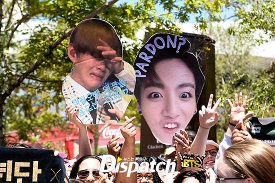 fan-kpop-choi-lay-de-thu-hut-su-chu-y-cua-than-tuong-tai-concert-2