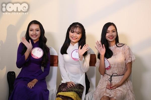 girl-xinh-mien-trung-dua-nhau-khoe-tai-sac-tai-miss-teen-2017-1