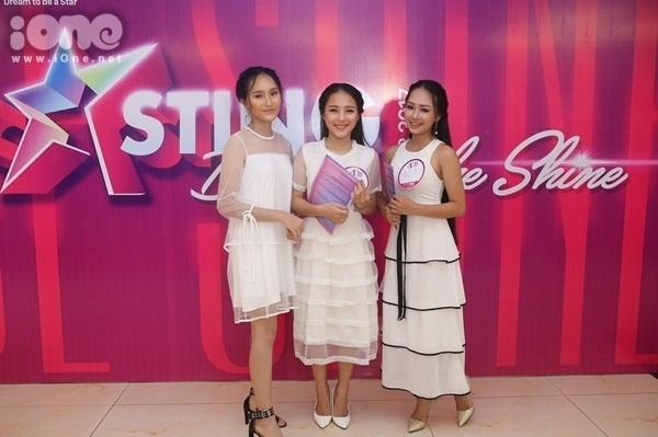 girl-xinh-mien-trung-dua-nhau-khoe-tai-sac-tai-miss-teen-2017-9