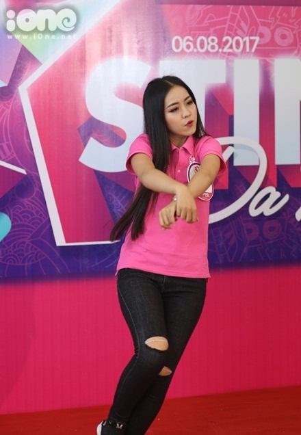 girl-xinh-mien-trung-dua-nhau-khoe-tai-sac-tai-miss-teen-2017-7