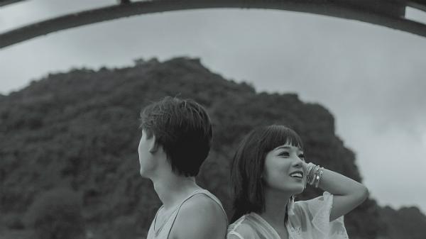 hoang-yen-chibi-khoe-anh-chup-long-lanh-cung-gau-giau-mat-3