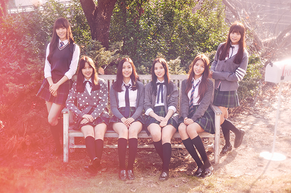 4-girlgroup-mac-do-dien-nu-sinh-xinh-tuoi-nhat-kbiz-5