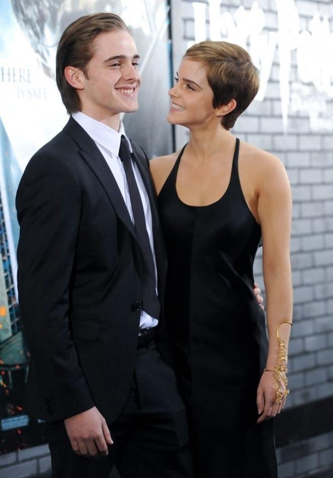 <p> Alex Watson và Emma Watson</p>