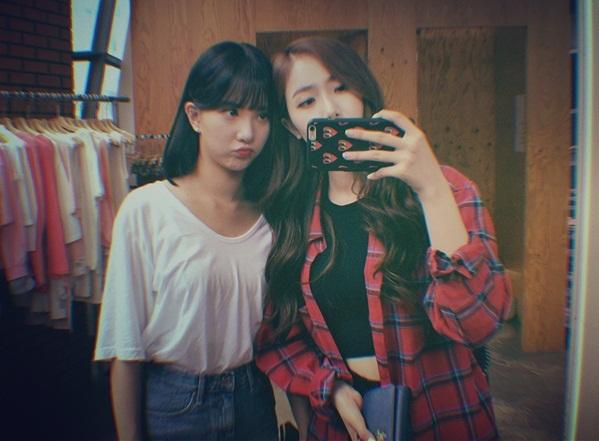 sao-han-17-8-suzy-khoe-nhan-sac-nu-than-hyun-ah-doi-style-thuc-nu-2