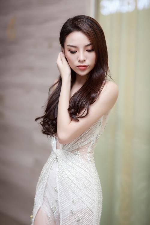 ky-duyen-hut-mat-voi-ve-ngoai-vua-banh-beo-vua-sexy-5