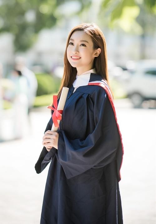 <p> Từ sau đăng quang, Mỹ Linh thu xếp thời gian tham dự sự kiện, hoạt động cộng đồng để không gây ảnh hưởng đến việc học.</p>