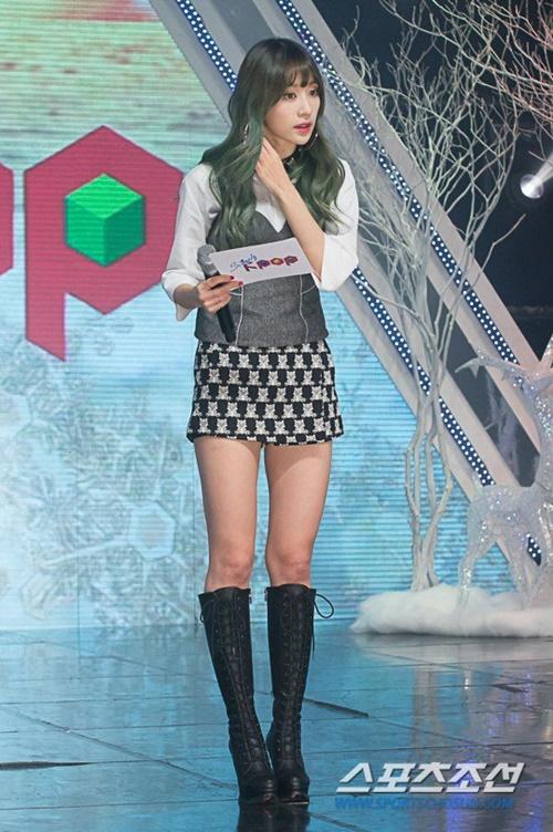 nhung-chiec-vay-khong-the-ngan-hon-cua-idol-nu-kpop-2-1